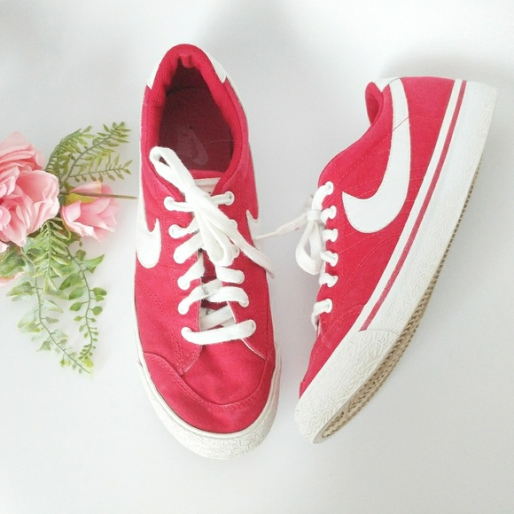 Vintage Nike Red Canvas Lowtop Sneaker